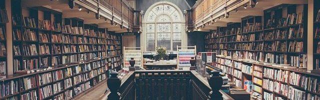dreamdiary-A lot of books on bookshelf
